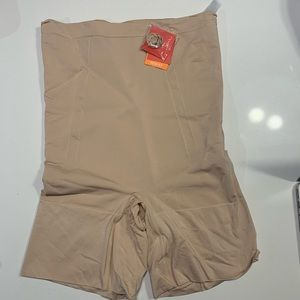 Brand New Spanx OnCore High-Waisted Short